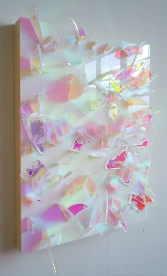 white-mirror-546x900